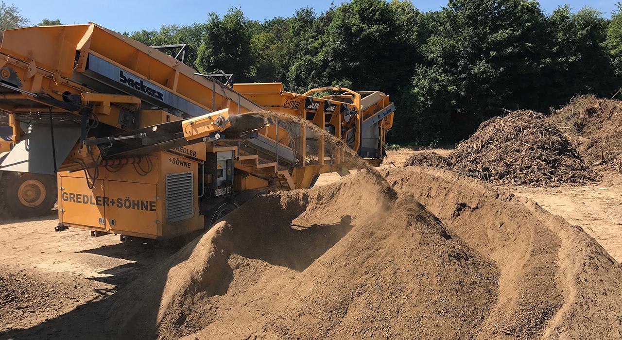 Verwertung und Entsorgung von Erde und Holz